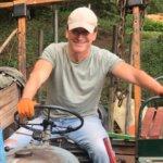 Thomas auf Traktor 2